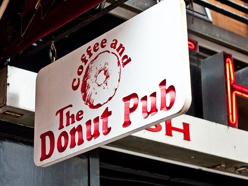The Donut Pub sign