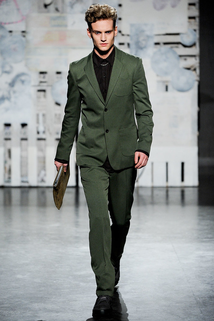 Alexander Johansson3477_FW12 NY Loden Dager(VOGUE)