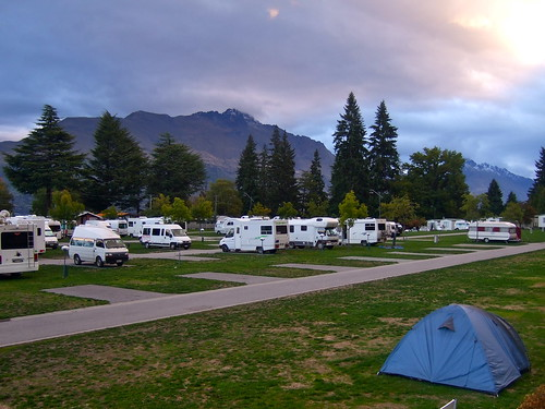 queenstown holiday park (aka. the grid)
