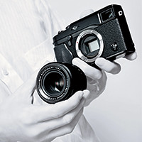 First interchangeable lens camera in Fujifilm's X series.