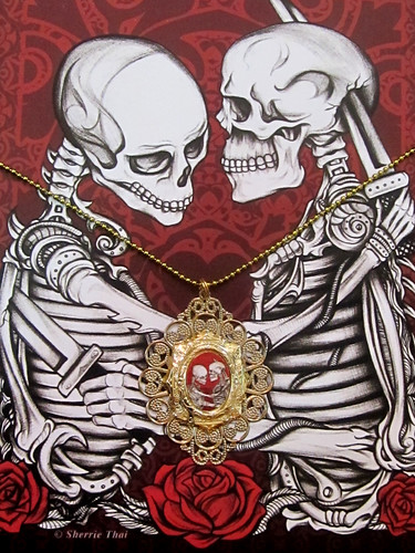 Giveaway: Skull Print and Handmade Pendant