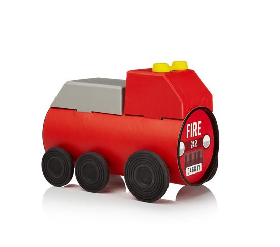 Tube-Toys_truck_Oscar-Diaz