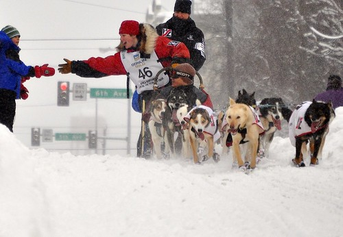 Ryne Olsen Reaches Out - Iditarod Ceremonial Start