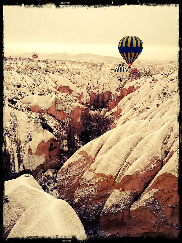山谷間飛行