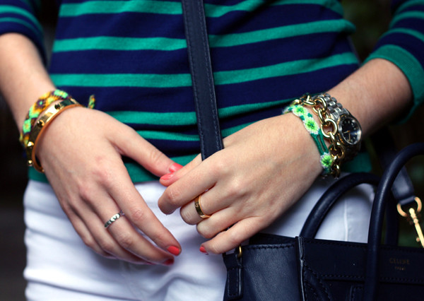 striped_top_white_jeans_celine_bag7