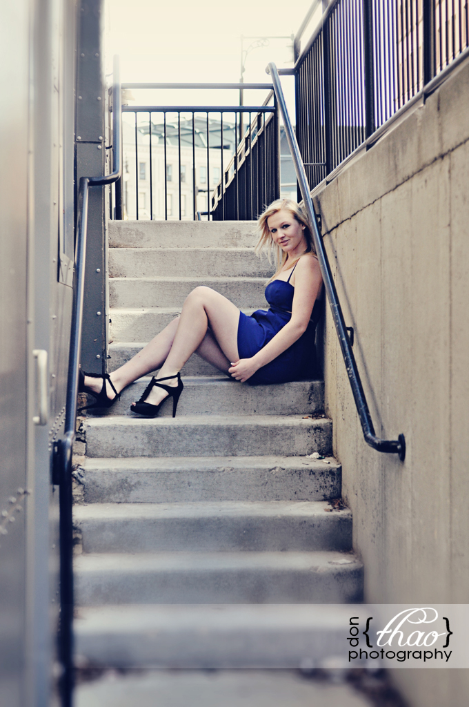 senior portrait session in downtown grand rapids - donthaophotography.com