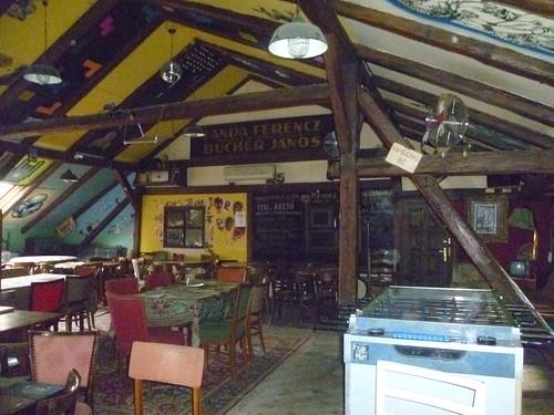 Trapez - Budapest Ruin Bars - 25travels