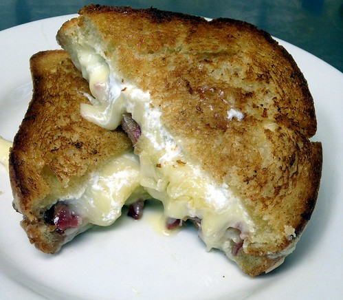 A Toute Heure, National Grilled Cheese Month