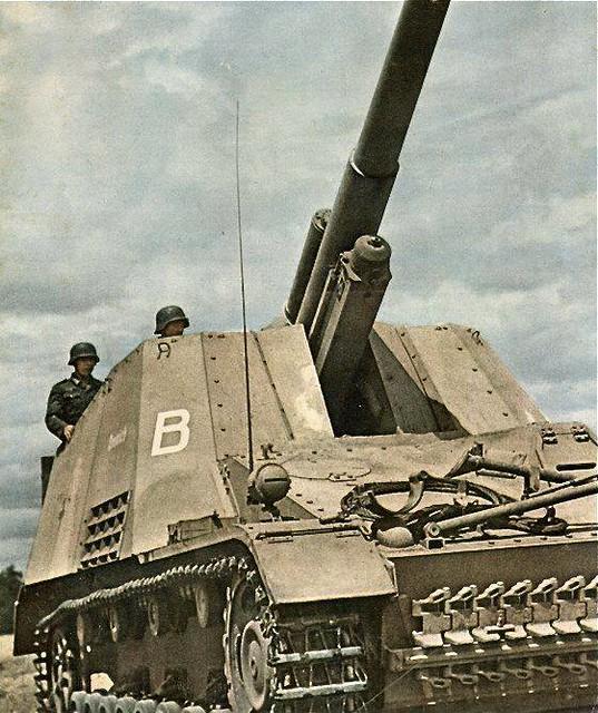 Hummel Sd.Kfz 165