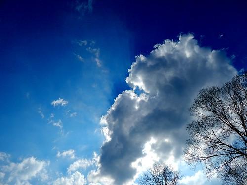 Behind the cloud / Hinter der Wolke (Explore)