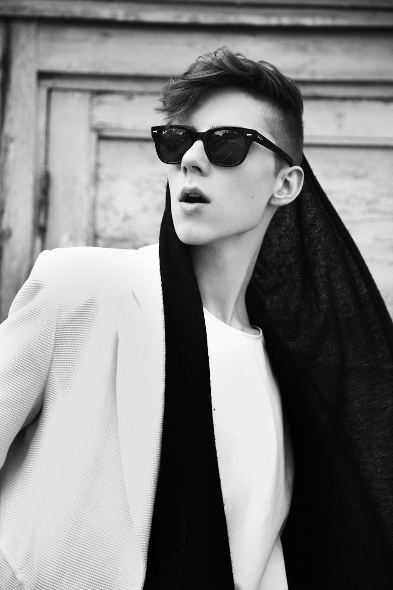 mikkoputtonen_fashion_blogger_finland_men_style_rayban_meteor_blackandwhite_web