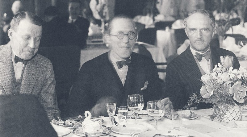 Architects (from left): Erik Lallerstedt, Le Corbusier and Ivar Tengbom 1933 in Stockholm https://commons.wikimedia.org/wiki/File%3ALallerstedt_Corbusier_Tengbom_1933.jpg