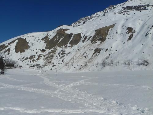 6 Le lac du Loup couvert de neige