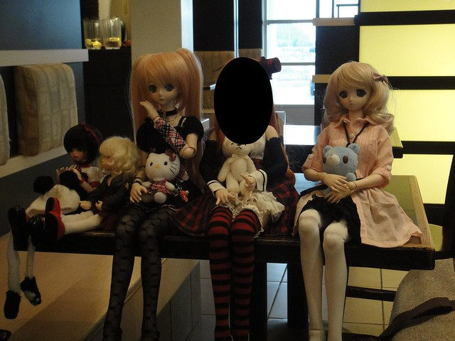Afternoon doll outing