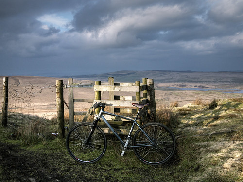 bike-on-moors