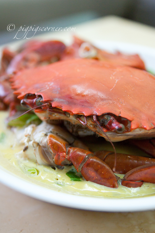 Steamed Crab with Egg