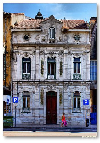 Casa na Avª Emidio Navarro by VRfoto