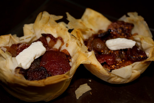 Caramelized Onion, Fig, Bacon & Goats Cheese tarts (6)