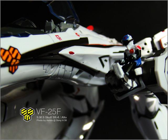 VF-25F_08