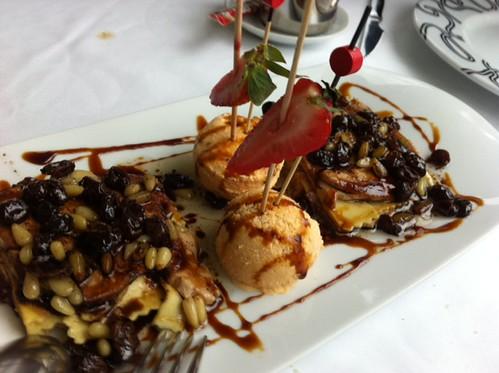 Lasaña con helado de tomate y foie. O el FESTIN en el RESTAURANTE ALBOKAK de ALONSOTEGI by LaVisitaComunicacion