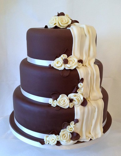 Chocolate Rose Wedding Cake 4