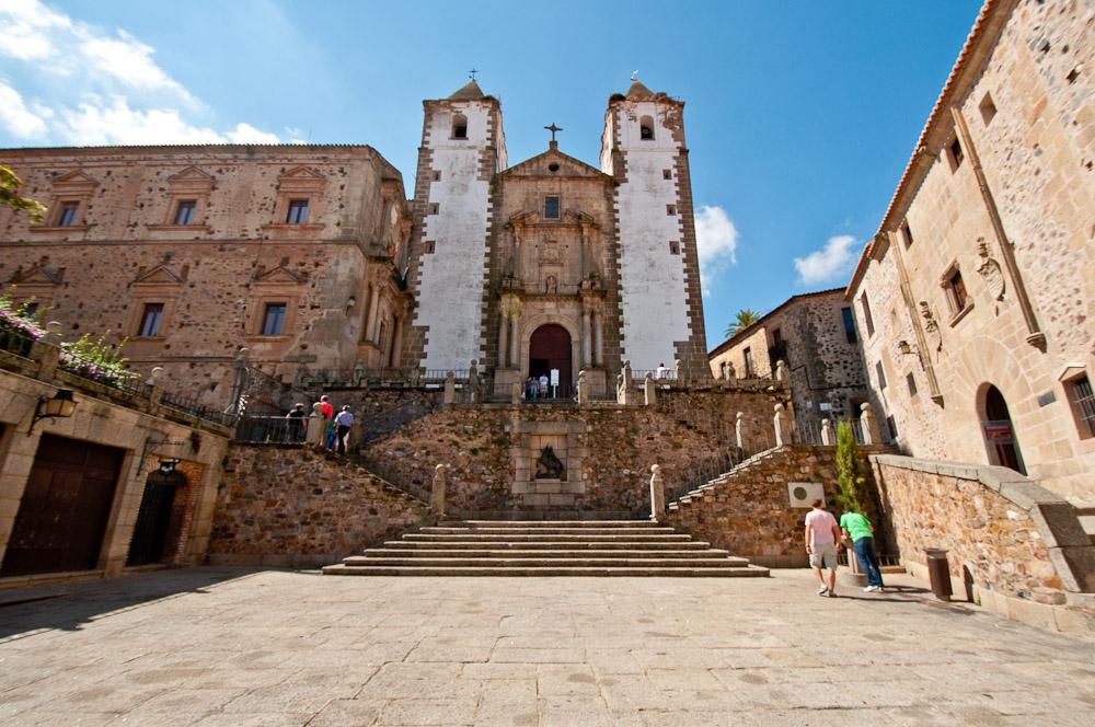 Iglesia de san francisco javier la preciosa sangre de c ceres for Oficina de turismo de caceres