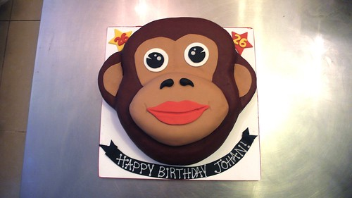 Monkey Face Birthday Cake by CAKE Amsterdam - Cakes by ZOBOT