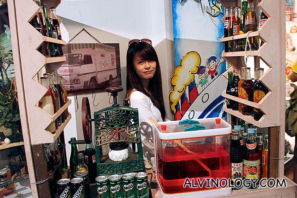 """Pretty drink stall """"auntie"""", Jiayi"""