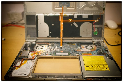 "17"" MacBook Pro innards"