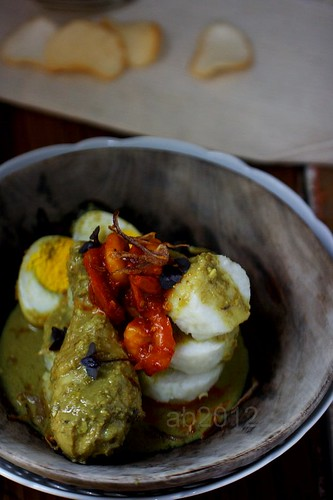 Opor Ayam with Lontong