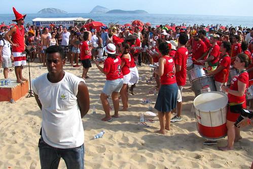 Carnaval en Playa de Ipanema by Miradas Compartidas