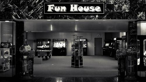 Fun House | 28 | 2.8 | #08