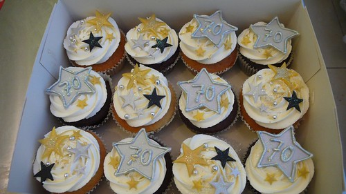 Gold and Silver 70th Birthday Cupcakes by CAKE Amsterdam - Cakes by ZOBOT