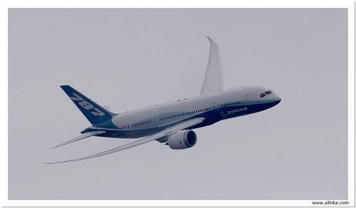 Boeing B787 - 01
