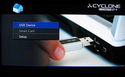 SumVision Cyclone Micro 2+ HD Media Player selectinf USB drive