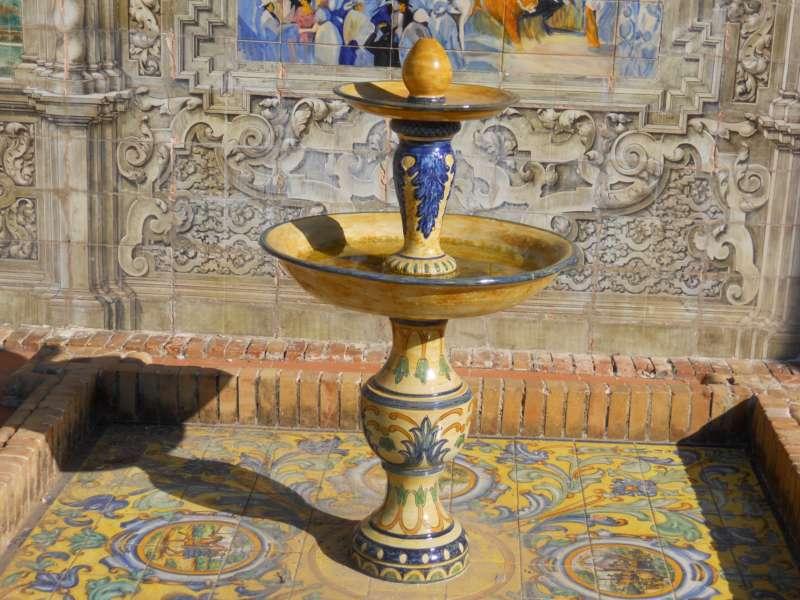 Fuente decorativa Pza. España Sevilla 1