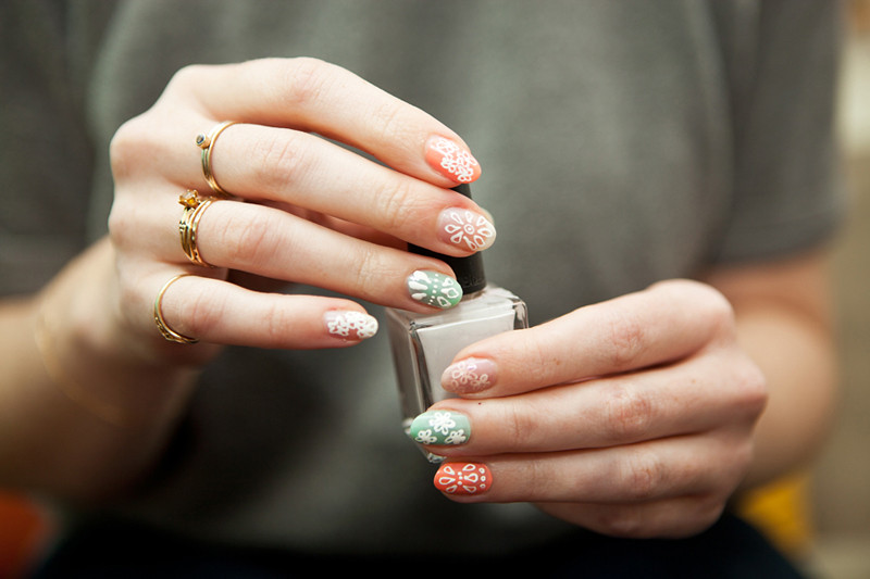 moveSlightly: Louis Vuitton Spring 2012-Inspired Nails