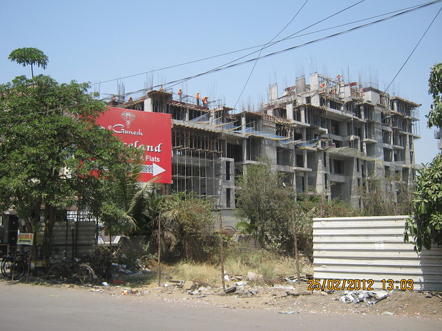 Site of Suhas Mantri Constructions' Mystica 3 BHK Flats behind Shivar Garden Hotel Rahatani Pune 411017
