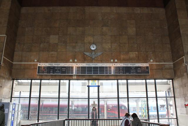 Interior de la estación de tren de Győr