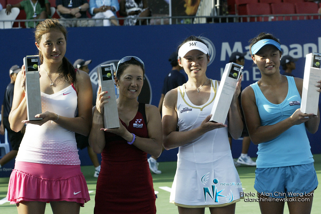 Winner line up of BMW Malaysia Open 2012 Woman's Double Final