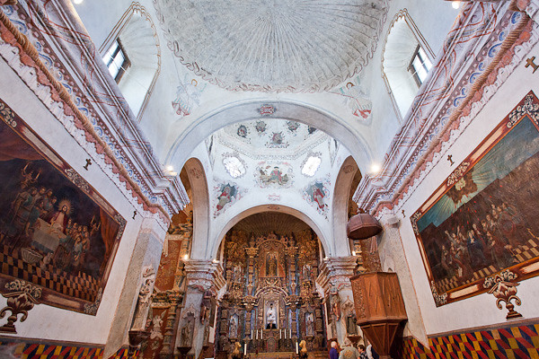 Mission of St Xavier del Bac - Sanctuary and Crossing