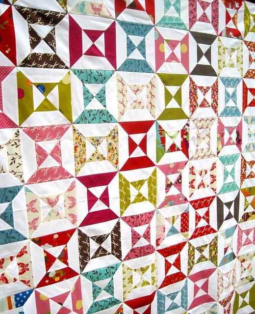 Wonderland Hourglass quilt