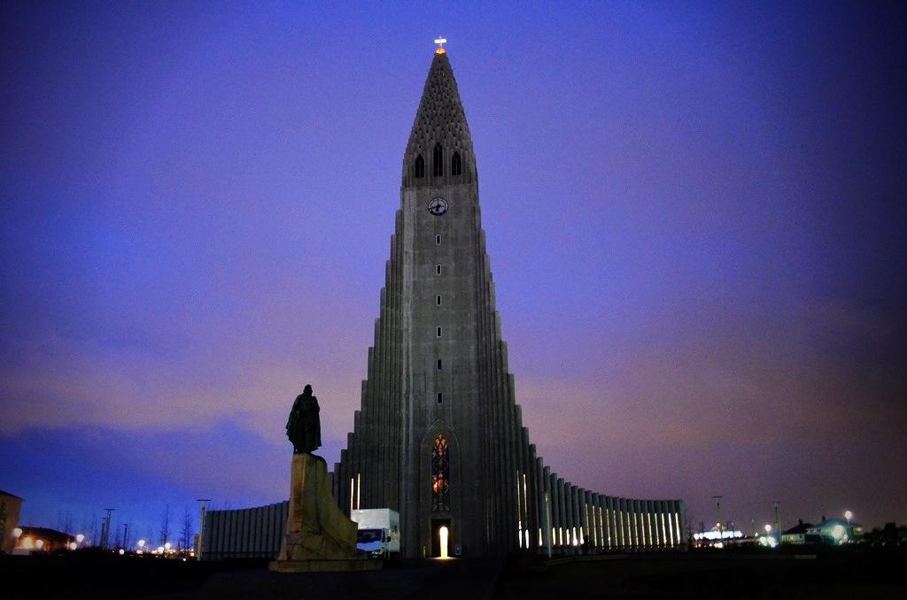 Iceland church Hallgrímskirkja