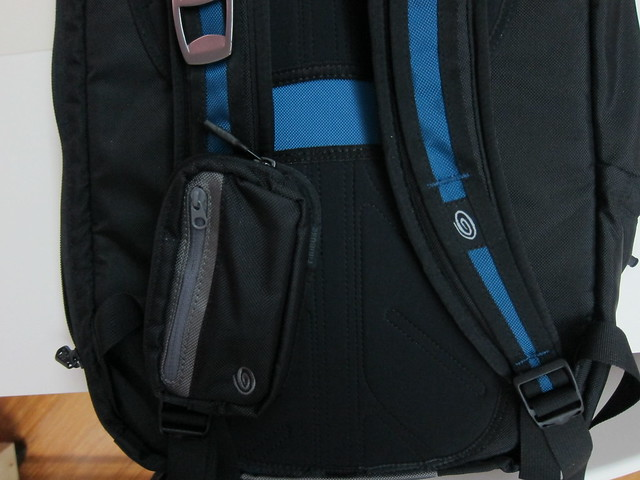 Timbuk2 Shagg Bag - Attached To Q Backpack 2011