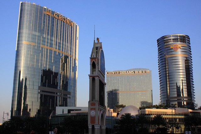2011-12-03-17-05-04