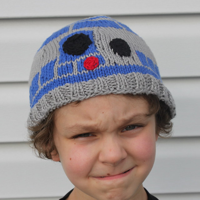 R2d2 Hat Knitting Pattern : R2D2 Hat Flickr - Photo Sharing!