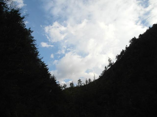 抵達時是個好天氣,可以清楚看到山稜與藍天白雲