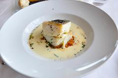 Crema de bacalao con su lomo confitado y estofado de txangurro