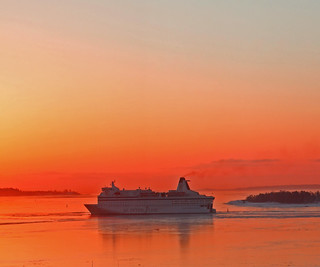 To Helsinki at sunrise