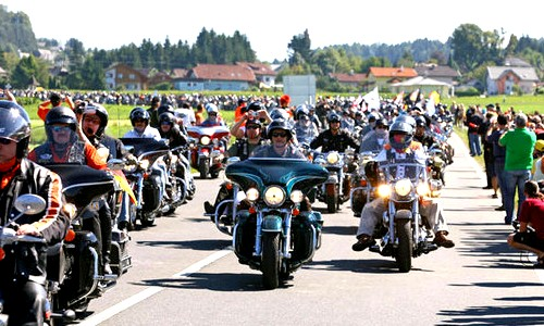 Motoraduno Harley a Pavia